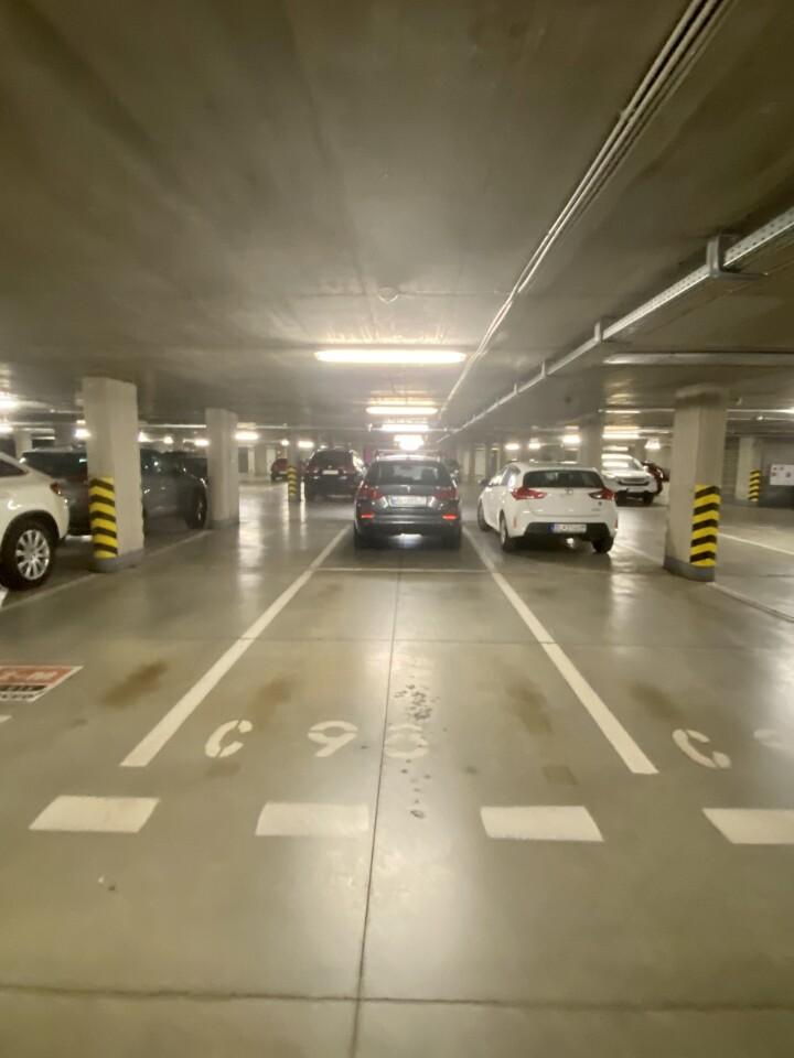 Parkovacie státie v OC RETRO