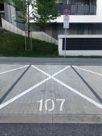 Parkovacie miesto v Slnečniciach