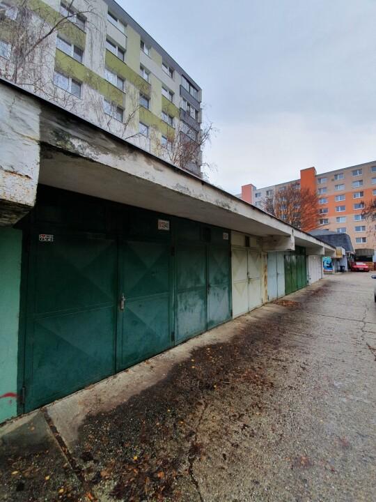 Uzamykateľná garáž Vrakuňa