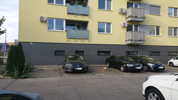 Vonkajšie parkovacie státie - Račianska
